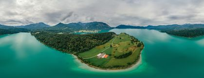 Panorama di realtà virtuale del vr del fuco 360 dell'aria della natura del lago bavaria della Germania fotografia stock
