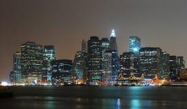 Panorama di scena di notte di New York City Manhattan Immagini Stock Libere da Diritti