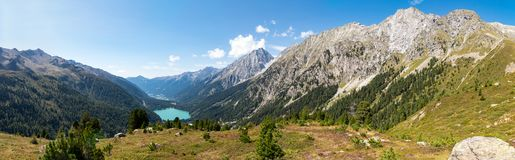 Panorama di Staller Sattel con il lago Antholz Immagine Stock Libera da Diritti