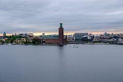 Panorama di Stoccolma con municipio Immagine Stock Libera da Diritti