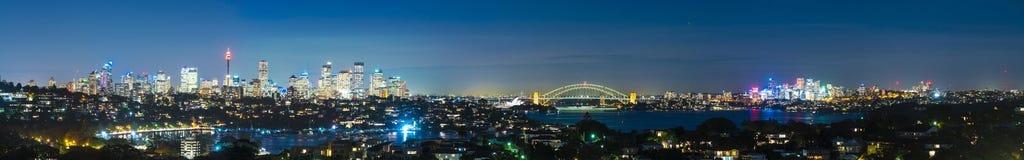 Panorama di Sydney alla notte Fotografia Stock