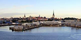Panorama di Tallinn all'alba Fotografia Stock Libera da Diritti