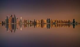 Panorama di tramonto del porticciolo del Dubai, Dubai, Emirati Arabi Uniti Fotografie Stock Libere da Diritti