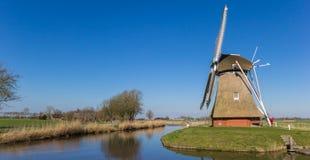 Panorama di un mulino a vento olandese in Groninga immagine stock libera da diritti