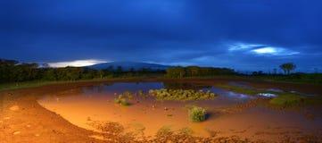 Panorama di un paesaggio di notte Fotografie Stock