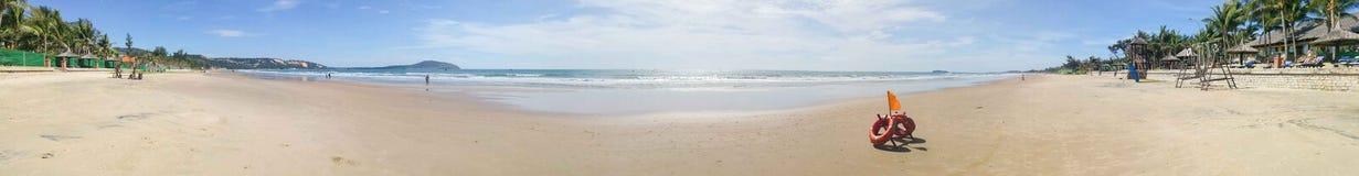 Panorama di una spiaggia di paradiso nel Vietnam Immagine Stock