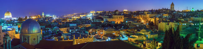 Panorama - vecchia città alla notte, Gerusalemme Immagini Stock