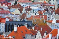 Panorama di vecchi tetti di Tallinn Fotografie Stock