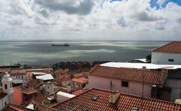 Panorama di vecchia città tradizionale di Lisbona Fotografie Stock Libere da Diritti