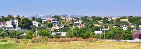 Panorama di vecchia e nuova città Immagini Stock