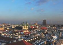 Panorama di Vienna dalla torre della cattedrale di Santo Stefano immagini stock