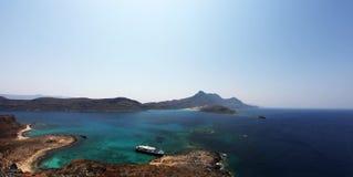 Panorama di vista sul mare delle isole greche fotografie stock