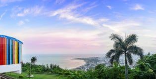 Panorama die van Kailasagiri-Heuvel Vizag-Stad en Th overzien Royalty-vrije Stock Foto