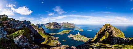 Panorama do arquipélago de Lofoten fotografia de stock royalty free