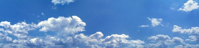 Panorama do céu azul Fotos de Stock Royalty Free