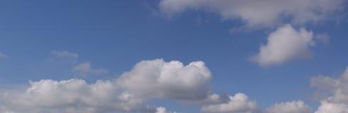 Panorama do céu azul fotos de stock