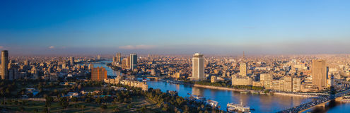 Panorama do Cairo da torre da tevê do Cairo no por do sol Fotos de Stock