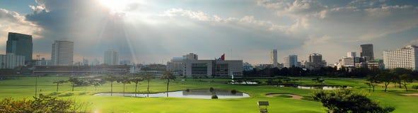 Panorama do campo do golfe Fotografia de Stock Royalty Free