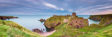 Panorama do castelo de Dunnottar Imagens de Stock Royalty Free