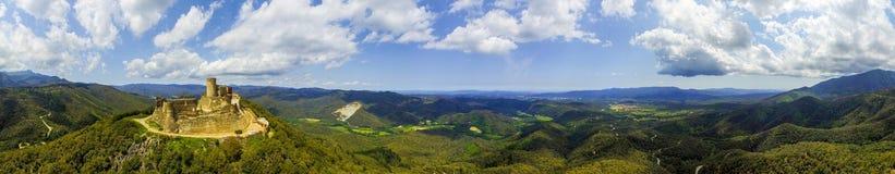 Panorama do castelo de Montsoriu fotos de stock