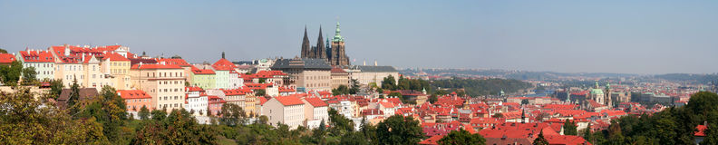 Panorama do castelo de Praga Fotografia de Stock Royalty Free