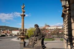 Panorama do castelo de Praga de Rudolfinum imagem de stock