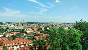 Panorama do centro histórico de Praga vídeos de arquivo