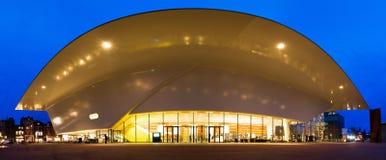 Panorama do crepúsculo do museu de Stedelijk Fotografia de Stock Royalty Free