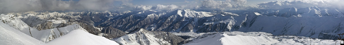 Panorama do cume da montanha de Geórgia imagens de stock
