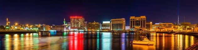 Panorama do distrito da angra em Dubai Imagens de Stock