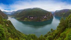 Panorama do fiorde de Geiranger - Noruega Fotografia de Stock