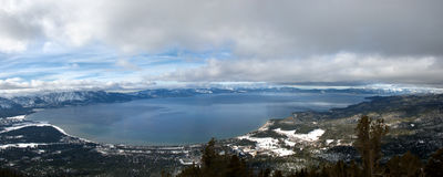 Panorama do inverno de Lake Tahoe Foto de Stock Royalty Free