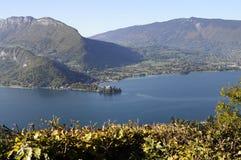 Panorama do lago Annecy, França Fotografia de Stock Royalty Free