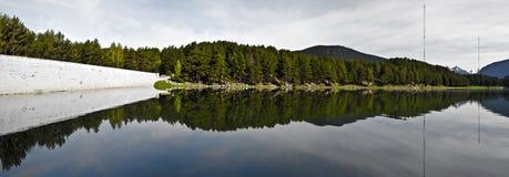 Panorama do lago Engolasters em Andorra Foto de Stock Royalty Free