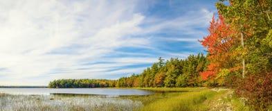Panorama do lago Kejimkujik na queda de Jeremy Bay Campground Fotografia de Stock