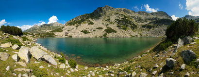 Panorama do lago Pirin Imagem de Stock Royalty Free
