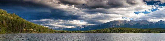 Panorama do lago pyramid Imagem de Stock Royalty Free
