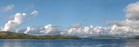 Panorama do litoral perto de Portmagee fotografia de stock