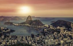 Panorama do nascer do sol sobre Rio de janeiro foto de stock