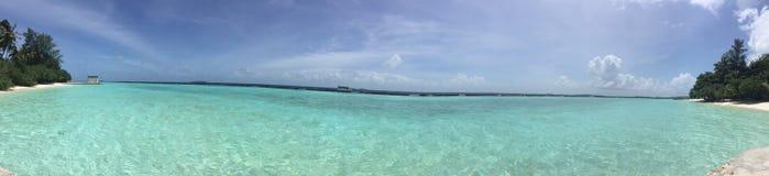 Panorama do o que são a praia da areia em Kurumba, Foto de Stock Royalty Free
