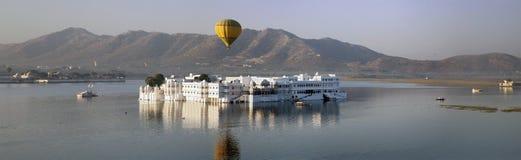 Panorama do palácio Jal Mahal Water Palace, Jaipur, Índia Foto de Stock Royalty Free