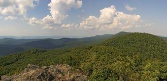 Panorama do ponto de vista de Bearfence, parque nacional de Shenandoah Imagem de Stock Royalty Free