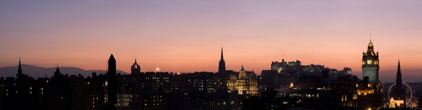 Panorama do por do sol de Edimburgo imagem de stock