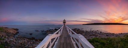 Panorama do por do sol de Marshall Point Lighthouse Imagem de Stock Royalty Free
