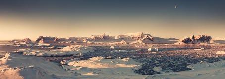 Panorama do por do sol da Antártica Tom do Sepia fotografia de stock