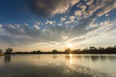 Panorama do por do sol de enfileirar o local de encontro na cidade de Plovdiv, Bulgária imagens de stock royalty free