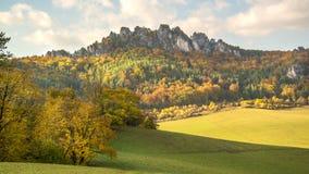 Panorama do por do sol do outono das rochas de Sulov e da natureza, Eslováquia Fotos de Stock