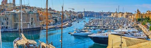 Panorama do porto de Vittoriosa, Birgu, Malta imagens de stock