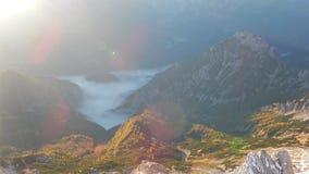 Panorama do priel mais bruto em cumes austríacos filme