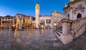 Panorama do quadrado de Luza, do palácio de Sponza e do Orlando Column no Dub fotos de stock royalty free
